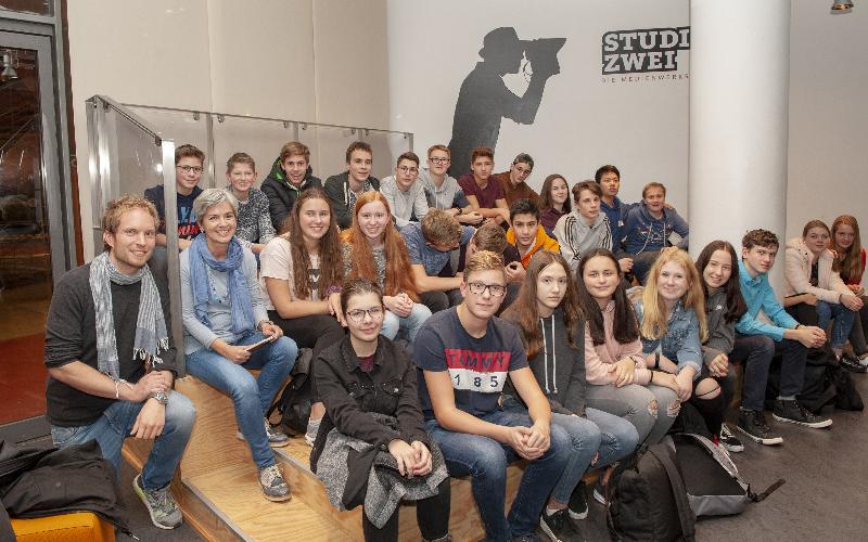 Klasse 9B produziert ihr eigenes Fernsehmagazin beim WDR in Köln