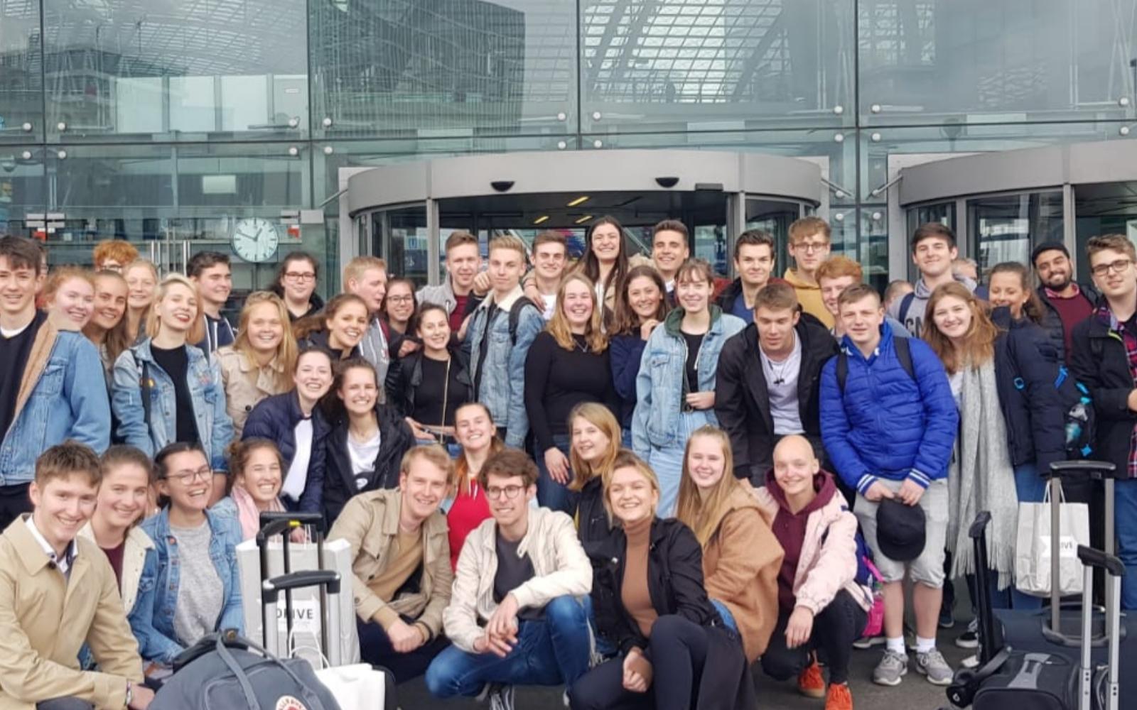 "Schülerin bei ""Young Leaders Akademie"" in Berlin"